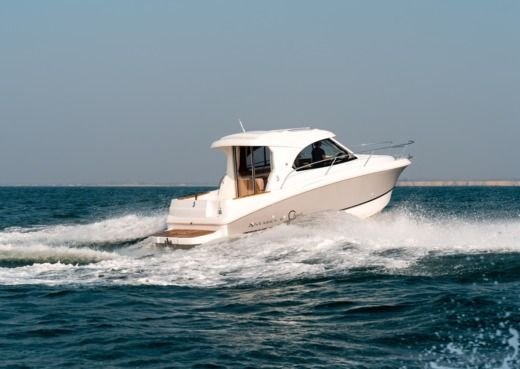 Motorboat BENETEAU Antares 8 for hire