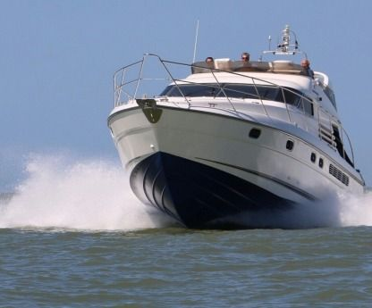Rental Motorboat Fairline Squadron 50 Bruges