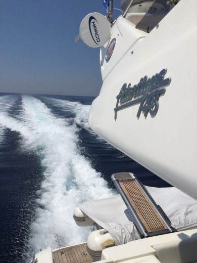 Charter motorboat in Jesolo peer-to-peer