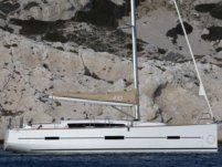 Dufour 410 Grand Large a Sliema da noleggiare