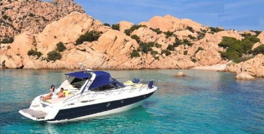 Motorboat Cranchi Endurance 41 for hire