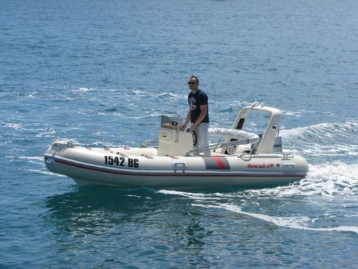 Motorboat Barracuda Barracuda 470 for hire