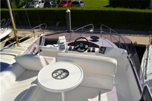 Galeon 333 Fly in Cogolin