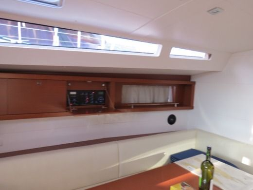 Sailboat Beneteau Oceanis 48