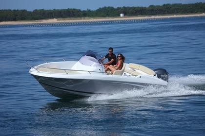 Hire Motorboat BENETEAU FLYER 650 St-Laurent-du-Var