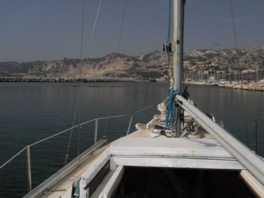 Charter sailboat in Marseille peer-to-peer