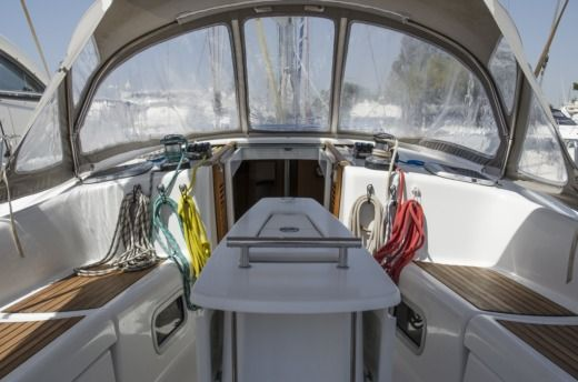 Beneteau Oceanis 43 in Athènes for hire