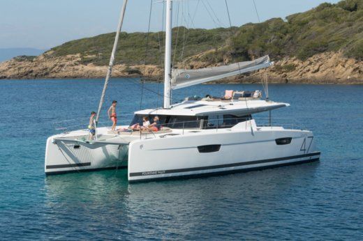 Catamaran Fountaine Pajot Saona 47 for hire