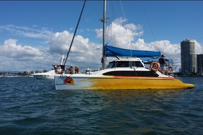Hire Catamaran Seawind 1000 Gold Coast