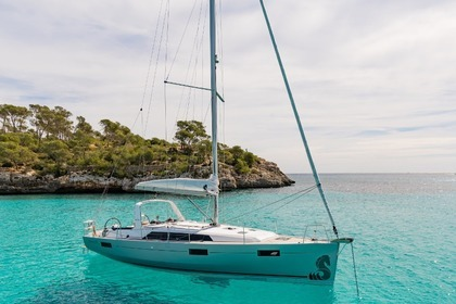 Rental Sailboat Beneteau Oceanis 41.1 Port de Pollença