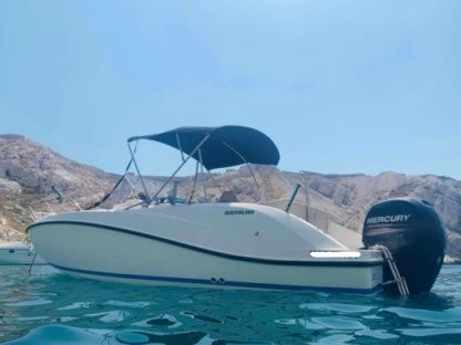 Charter Motorboat Quicksilver 6.75 Open Marseille