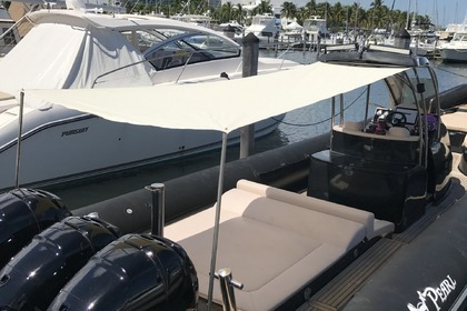 Rental Motorboat SeaWater Convertible 410 Coral Gables