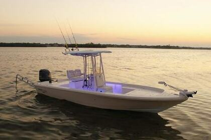 Hire Motorboat Pathfinder 2400 TRS Charleston