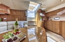 Motorboat Sunseeker Portofino 46 for hire
