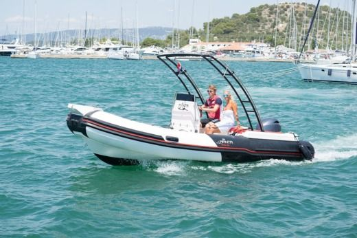 RIB Manta 555 for hire