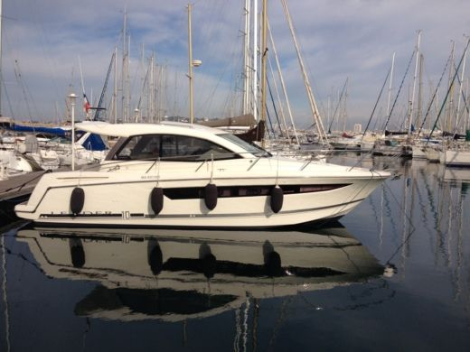 JEANNEAU Leader 10 in Marseille for hire