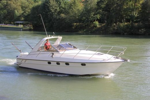 Miete Motorboot Fairline Targa Paris