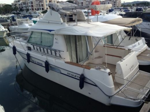 Motorboat Ocqueteau 885 for hire