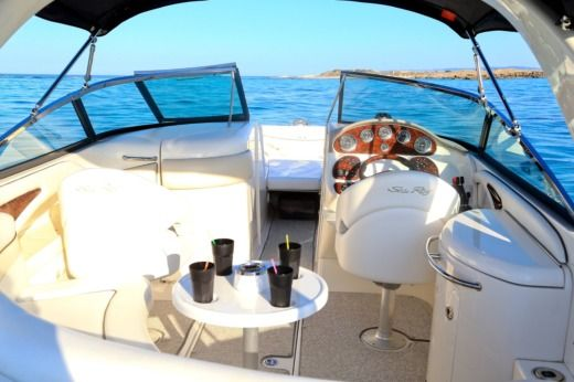 Sea Ray 290 a Ibiza da noleggiare