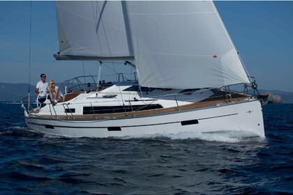 Rental Sailboat Bavaria 37 Cruiser Angra do Heroísmo