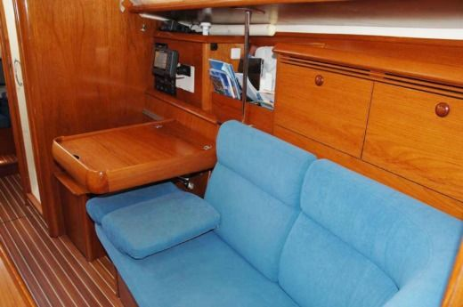 Sailboat Jeanneau Sun Odyssey 35 for hire