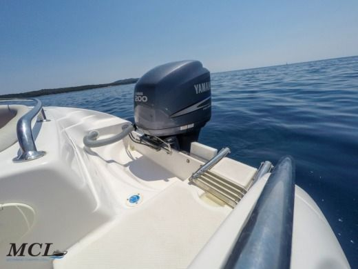 Rental Motorboat Raineri Shadow 22 Mali Losinj