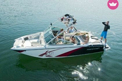 Hire Motorboat Mastercraft X35 Powell