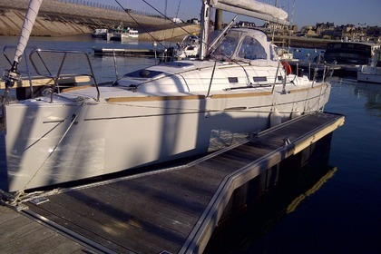 Location Voilier BENETEAU FIRST 30 2011 Saint-Malo