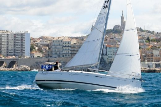 Beneteau First 30 Jk in Bandol for hire