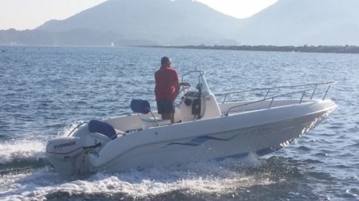 Bellingardo Ghost 5,50 Open in La Spezia for hire