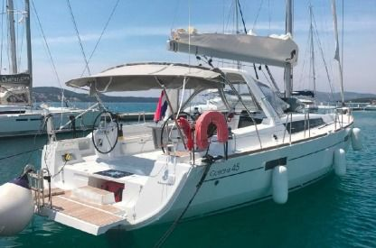 Rental Sailboat  Oceanis 45 Seget Donji