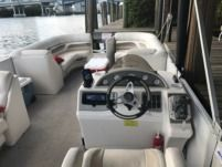 Rental Motorboat Crest Pontoon North Miami Beach
