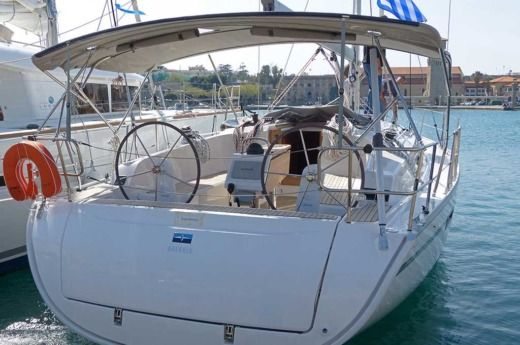 Sailboat Bavaria Cruiser 41 peer-to-peer