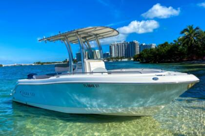 Charter Motorboat 22' Robalo (2020) *Downtown Miami, Jungle Island) . Miami