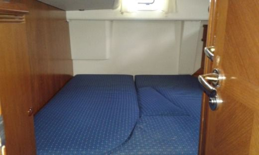 Sailboat Jeanneau Sun Odyssey 54 Ds for hire