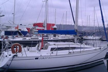 Charter Sailboat BENETEAU FIRST 29 Arzal