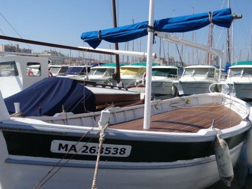Motorboat Blavel Barquette Marseillaise for hire