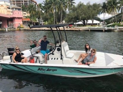 Charter Motorboat Key Largo 220 Bay Fort Lauderdale