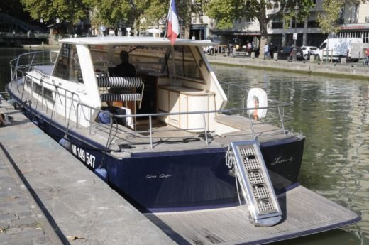 Barca a motore Chris Craft Commander 38 tra privati
