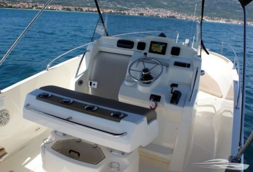 Jeanneau 7.5 Cap Camarat in Trogir for rental