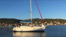 Sailboat Beneteau Oceanis 393