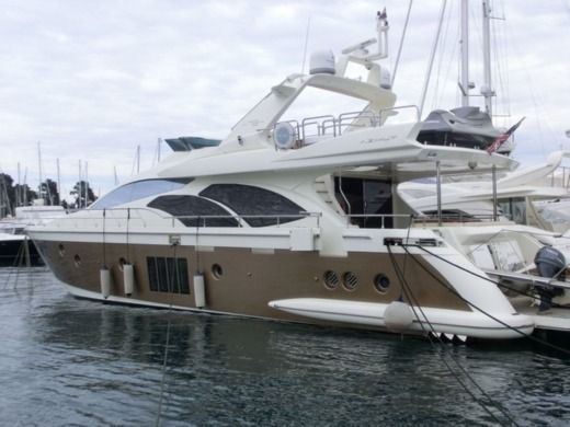 Motorboat Azimut Azimut 78 Fly for hire
