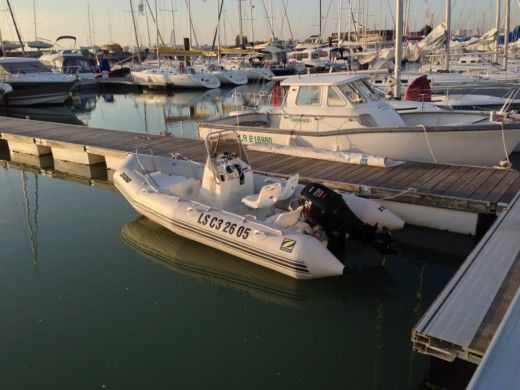 Zodiac Pro Open 5.50 in La Rochelle for hire