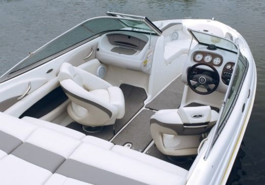 Motorboat Chaparral 190 Ssi for hire