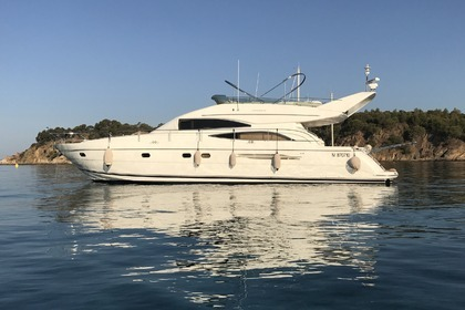 Rental Motorboat PRINCESS 61 Fly Hyères