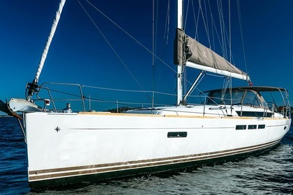Hire Sailboat JEANNEAU SUN ODYSSEY 509 Portisco