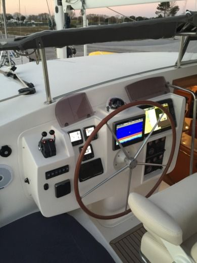 Catamaran ALLIAURA MARINE PRIVILEGE 585 EASY CRUISE for hire