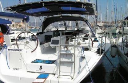 Charter Sailboat Cyclades 43.4 Trogir