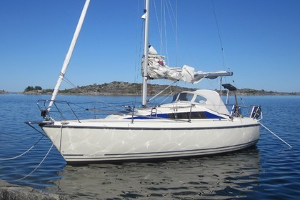 Hire Sailboat Maxi Fenix Nacka