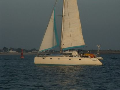 Location Catamaran Fountaine Pajot Venezia 42 Lorient